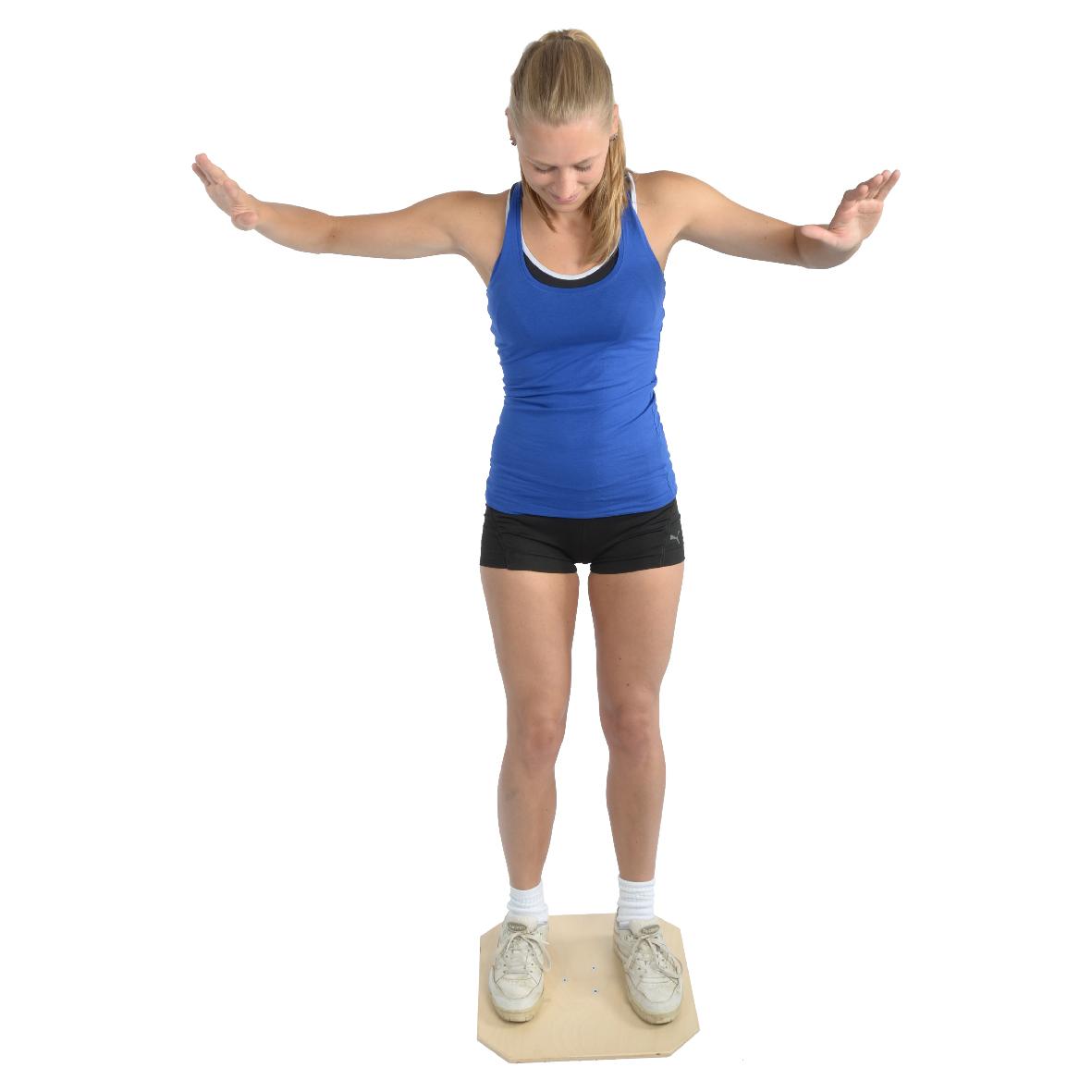 05-040001 – Mambo Max Wooden Balance Board – Rehab 2-01